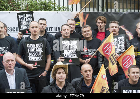 London, London, UK. 26th Sep, 2014. The Fire Brigade Union's ''˜Ring of Fire' anti-cuts event was given a publicity - Stock Photo