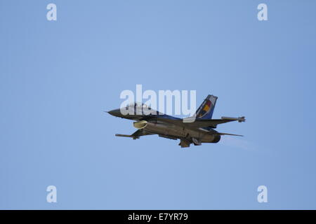 Acharnes, Greece. 26th September 2014. A F-16AM from the Belgian Air Force performs at the 2014 Tatoi Airshow. The - Stock Photo