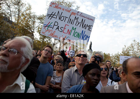 Paris, France. 28th Sep, 2014. 'Not in my name', french protest to denounce ISIS beheadings, Paris, France Credit: - Stock Photo