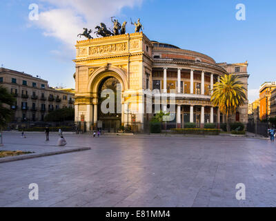Theater Politeama Garibaldi, Piazza Ruggero Settimo, historic centre, Palermo, Sicily, Italy - Stock Photo