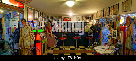 Historic bar in the Hackberry General Store, Route 66, Hackberry, Arizona, USA - Stock Photo