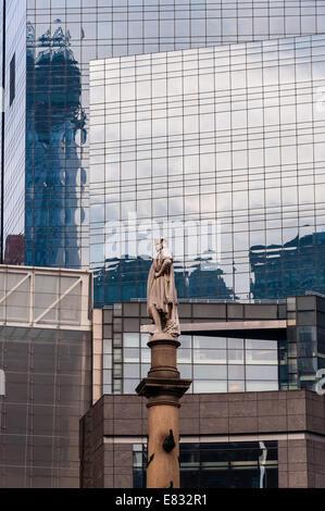 US, New York City. Columbus Circle. Statue of Christopher Columbus. - Stock Photo