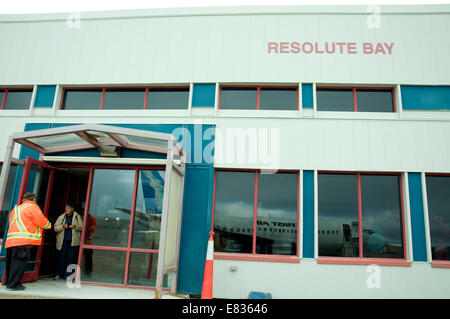 Resolute Bay, Canada's northernmost airport and flight terminal is served by First Air, Canada's 'airline of the - Stock Photo