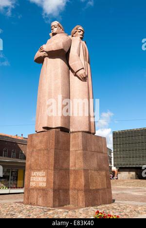 Latvian Riflemen statue in the old town, Riga, Latvia - Stock Photo