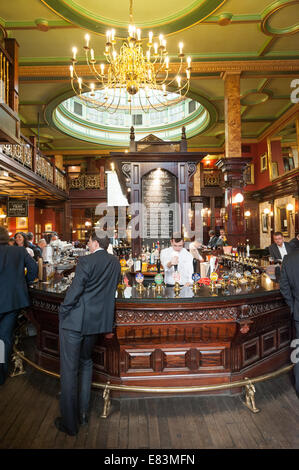 The Counting House pub in the City of London, England, UK - Stock Photo