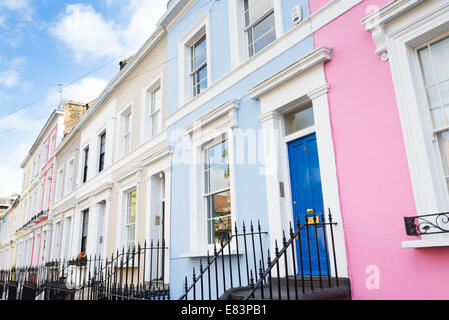 Row of terraced houses in Notting Hill, London, England, UK - Stock Photo
