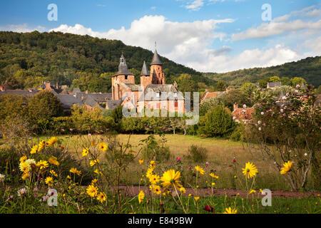 view of castle collonges la rouge - Stock Photo