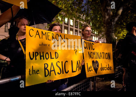 London, UK. 1st October, 2014. Hong Kong protest outside Chinese Embassy in London Credit:  Velar Grant/Alamy Live - Stock Photo
