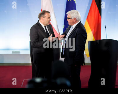 Berlin, Germany. 2nd October, 2014. To Talk about the German-Polish relations, Ukraine crisis and other issues of - Stock Photo