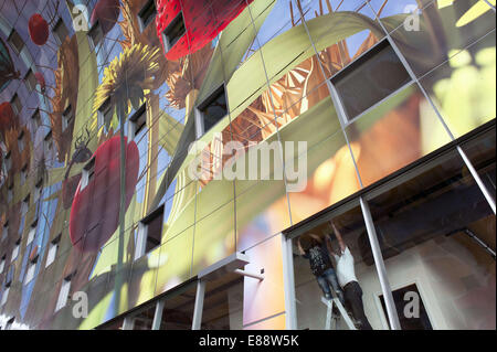 Sept. 30, 2014 - Rotterdam, South Holland, The Netherlands, Holland - Construction workers are busy with the final - Stock Photo