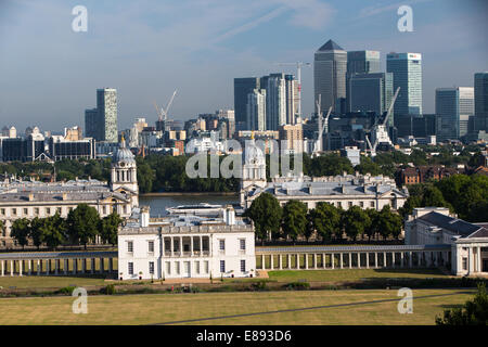 View of Canary Wharf and the Maritime museum from the Royal Observatory in Greenwich - Stock Photo