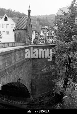 Achtziger Jahre, Nikolauskapelle auf der Nikolausbruecke ueber die Nagold in Calw, Nordschwarzwald, Baden-Wuerttemberg - Stock Photo