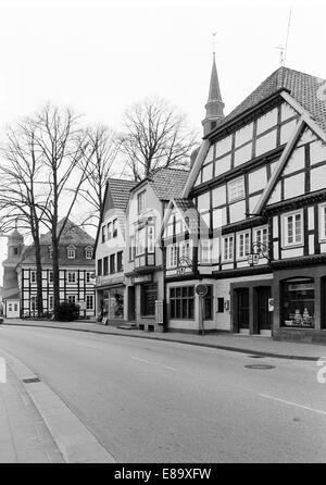 Achtziger Jahre, Fachwerkhaeuser in der Altstadt, im Hintergrund das Fachwerkrathaus, Rietberg, Ostwestfalen-Lippe, - Stock Photo