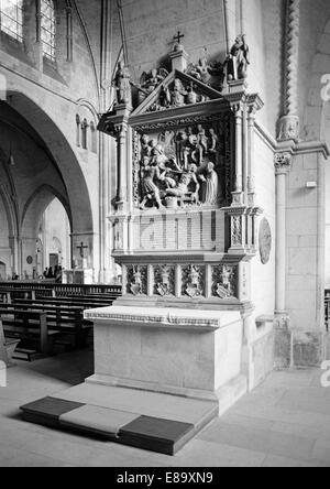 Achtziger Jahre, Laurentius-Altar und Epitaph fuer Dompropst Bernhard von Muenster im St. Paulus Dom von Muenster, - Stock Photo