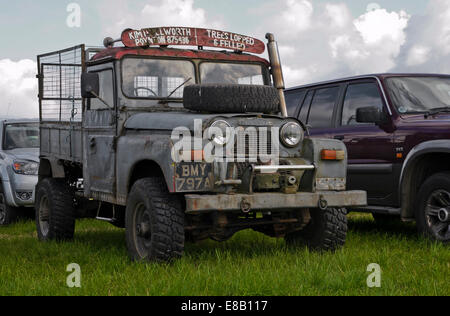 vintage austin gipsy gypsy jeep in field - Stock Photo