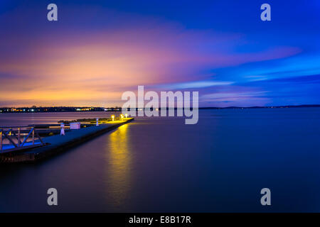 Docks on the Chesapeake Bay at night, in Havre de Grace, Maryland. - Stock Photo