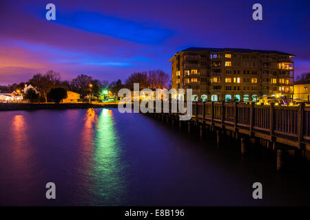 Fishing pier and the waterfront at night, in Havre de Grace, Maryland. - Stock Photo