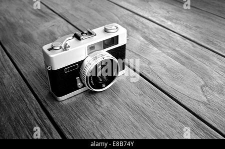 Vintage photo camera - Stock Photo