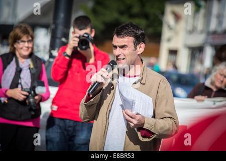 Pwllheli, Wales, UK. 4th October, 2014. Welsh Language Society (Cymdeithas yr Iaith Gymraeg) chairman, JAMIE BEVAN, - Stock Photo