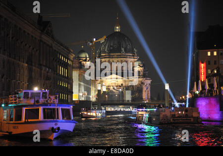 Berlin, Germany. 04th Oct, 2014. The Berlin Cathedral lights up in different colors at the Festival of Lights 'Berlin - Stock Photo