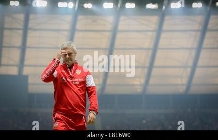 Stuttgart's coach Armin Veh walks during the Bundesliga Day 7 soccer match between Hertha BSC and VfB Stuttgart - Stock Photo