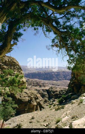Walk to El Deir (the Monastery), Petra, Jordan. - Stock Photo