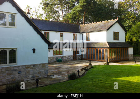 Country house and garden, Brockenhurst, New Forest, Hampshire, England, UK - Stock Photo