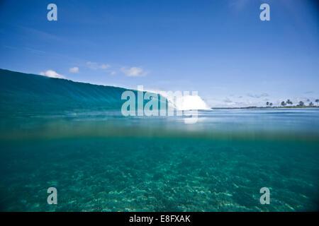Ocean wave breaking - Stock Photo