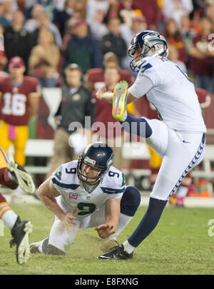 Landover, Maryland, USA. 06th Oct, 2014. Seattle Seahawks place kicker Steven Hauschka (4) kicks the final field - Stock Photo