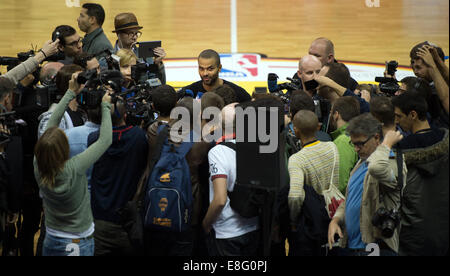 Berlin, Germany. 7th Oct, 2014. San Antonio's Tony Parker during the training session by San Antonio Spurs at 02 - Stock Photo