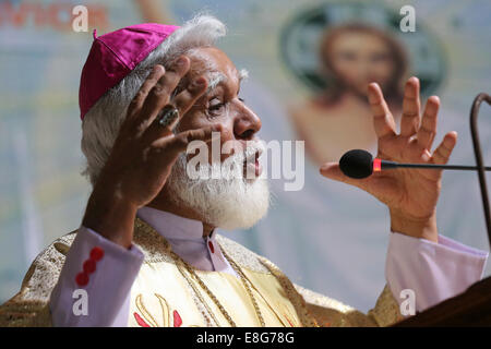 JOSEPH COUTTS, Archbishop of the roman catholic Diocese of Karachi, Pakistan. During his sermon in holy sunday mass - Stock Photo