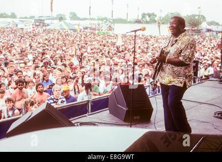 NEW ORLEANS, LA – MAY 1: Blues legend B.B. King plays at the New Orleans Jazz Festival in New Orleans, Louisiana - Stock Photo