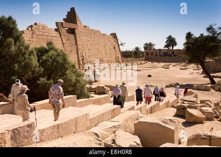 Egypt, Luxor, tourists entering Ramesseum, Mortuary Temple of Ramses II - Stock Photo