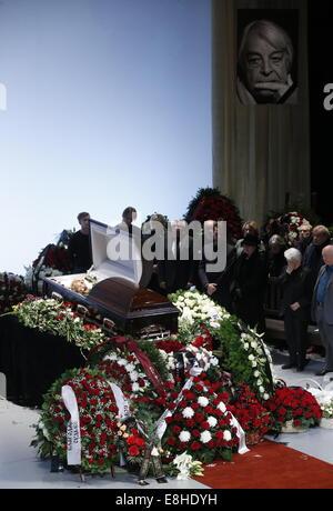 Moscow, Russia. 8th Oct, 2014. The funeral ceremony for theatre director Yuri Lyubimov at Vakhtangov Theatre. Credit: - Stock Photo