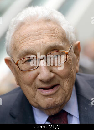 Leipzig, Germany. 8th Oct, 2014. Former US foreign minister Henry Kissinger participates in a ceremony of Verbundnetz - Stock Photo
