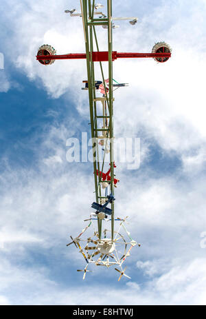 Wilson, North Carolina, USA. 08th Oct, 2014. Detail of one of five whirligigs by artist Vollis Simpson now up and - Stock Photo