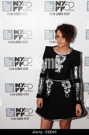 New York, USA. 8th October, 2014. Actress Kristen Stewart attends the premiere of 'Clouds of Sils Maria' at the - Stock Photo