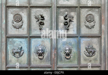 ... Lion head door knocker Mausoleum Bueckeburg Lower Saxony Germany Europe & Lion head door knocker Mausoleum Bueckeburg Lower Saxony ... Pezcame.Com