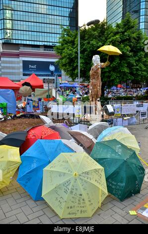 Hong Kong. 9th October, 2014. Artworks featuring umbrellas are displayed on the 12th day of the pro-democracy protest - Stock Photo