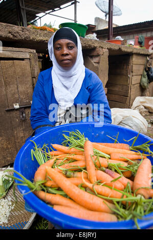 RWANDA, KIGALI: A big market in the capital offers everything: food, clothes, kitchen equipment, herbal medicine. - Stock Photo