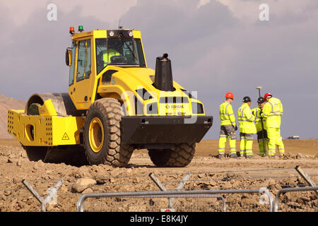 """Somerset, UK. 9th October, 2014. Construction work on the new Hinkley Point """"C"""" nuclear power station steps up a - Stock Photo"""