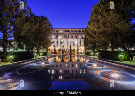 USA, California, Pasadena, California Institute of Technology, Beckman Institute Reflecting Pool - Stock Photo