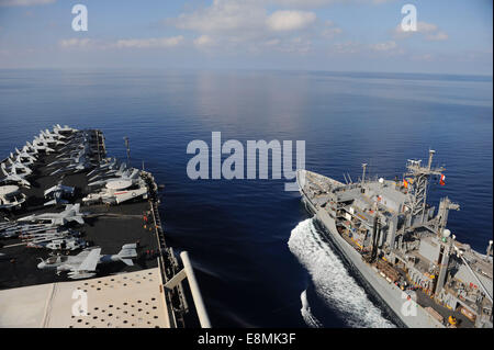 Mediterranean Sea, October 29, 2013 - The Military Sealift Command fast combat support ship USNS Rainier (T-AOE - Stock Photo