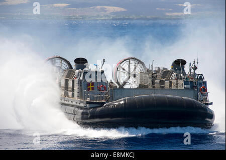 Pacific Ocean, July 23, 2014 - A landing craft air cushion prepares to embark the well deck of the amphibious dock - Stock Photo