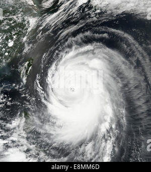 July 7, 2014 - Super Typhoon Neoguri churning toward Okinawa and southern Japan. - Stock Photo