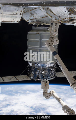 October 22, 2013 - The International Space Station's Canadarm2 unberths the Orbital Sciences' Cygnus commercial - Stock Photo