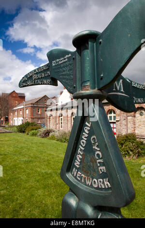 UK, England, Devon, Barnstaple National Cycle Network Tarka Trail sign on Taw riverside path - Stock Photo