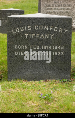 Louis Comfort Tiffany grave Green-Wood Cemetery - Stock Photo