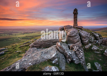 Widgery's Cross on the summit of Brat Tor in the Dartmoor National Park. - Stock Photo