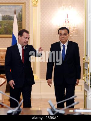 Moscow, Russia. 13th Oct, 2014. Chinese Premier Li Keqiang (R) holds talks with his Russian counterpart Dmitry Medvedev - Stock Photo